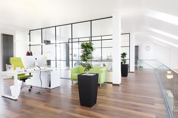 Office interior decorator in thane mumbai and navi mumbai for Modern contemporary office interior design